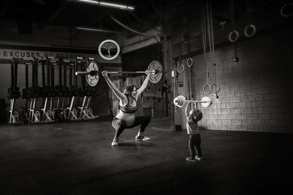 Mom-CrossFit-Maternity-Photos