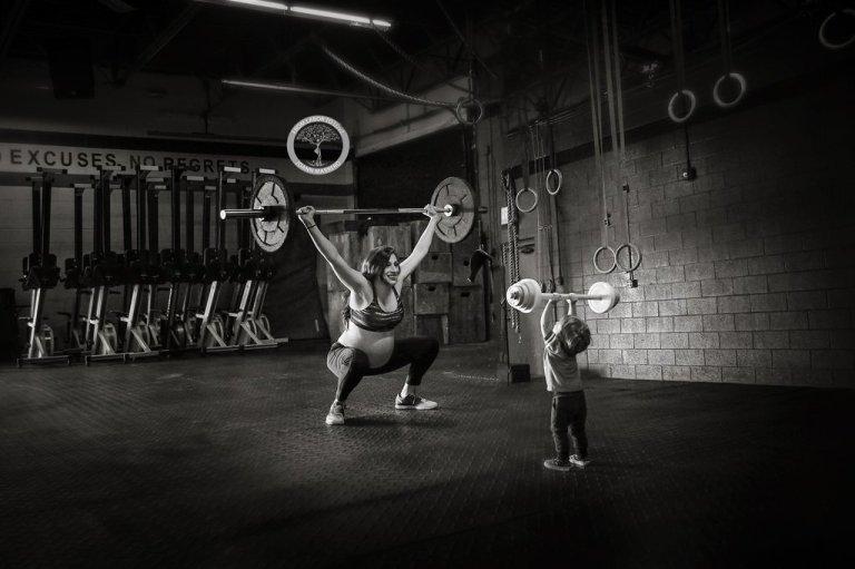 Mom-CrossFit-Maternity-Photos